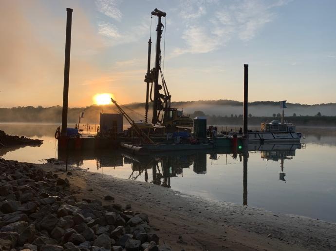 Crane & Barge Rental Services | MER Commercial Diving Division